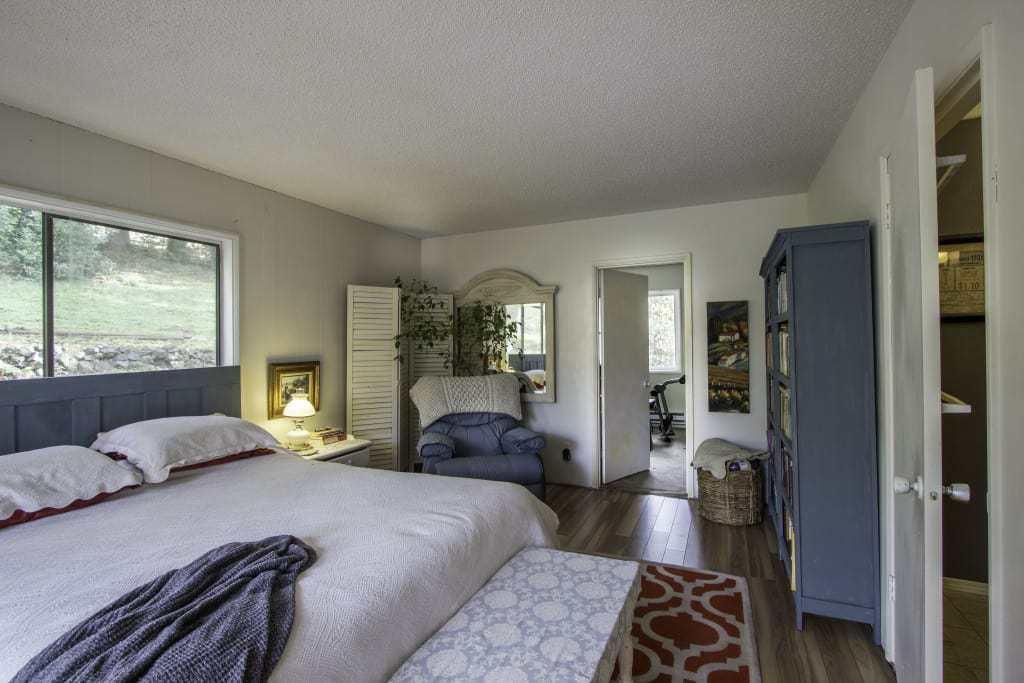1734 S Market Blvd master suite
